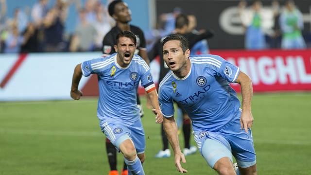 Fotbalista Frank Lampard přispěl neuznanou brankou z roku 2010 k tomu, aby se o zavedení videa do fotbalu začalo aspoň mluvit