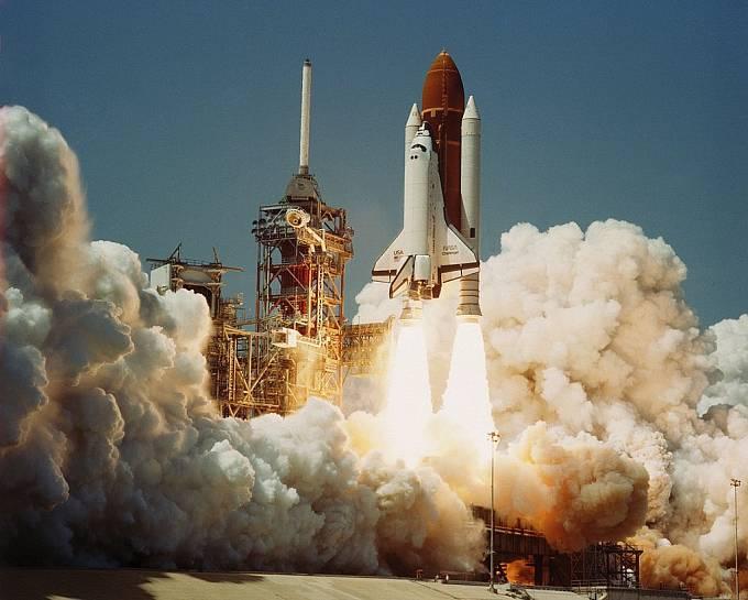 Raketoplán Challenger startuje na svou první misi 4. dubna 1984