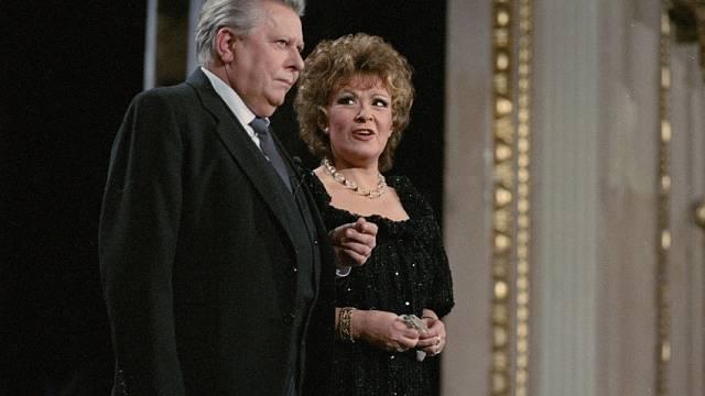 Ve dvojici s Vladimírem Dvořákem v televizním zábavném pořadu Televarieté (1977–1997)