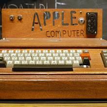 Apple I Computer je dnes žádaný sběratelský kousek.