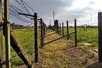 Dvojí oplocení tábora Majdanek