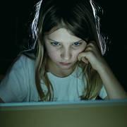 Děti a internet. Nejrizikovější čas nastává mezi sedmou a desátou večer