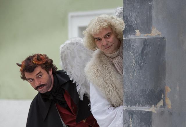 Ústřední role si stejně jako vprvním filmu zahráli zleva Jiří Dvořák a Ivan Trojan.