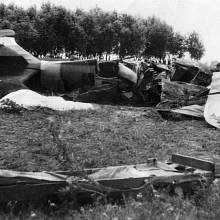 Zničená maďarská stíhačka Fiat CR-32
