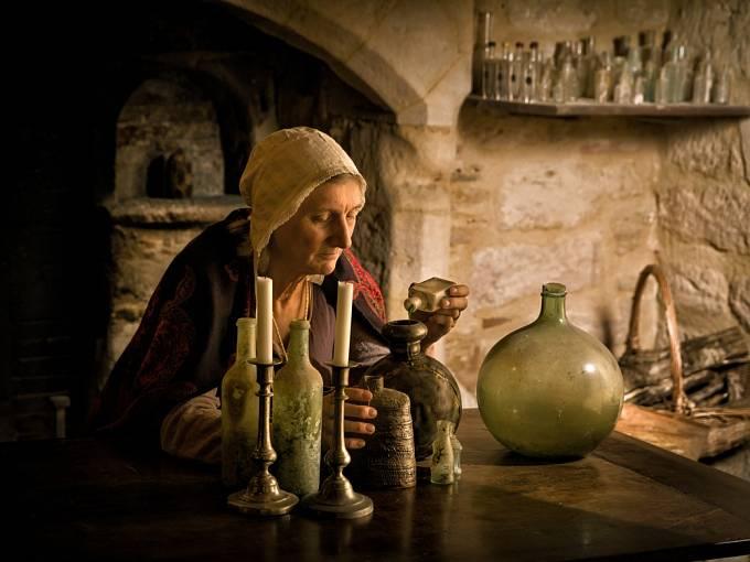 V klášteře se praktikovaly jejen erotické hrátky, ale také travičství.