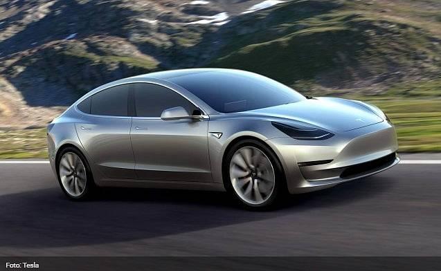 Tesla Model 3 má být dostupná v USA od roku 2017.