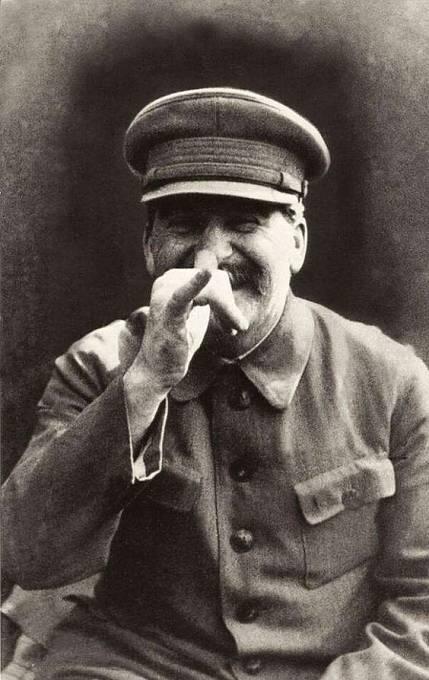Stalin se manželce často posmíval, a to před celou společností.