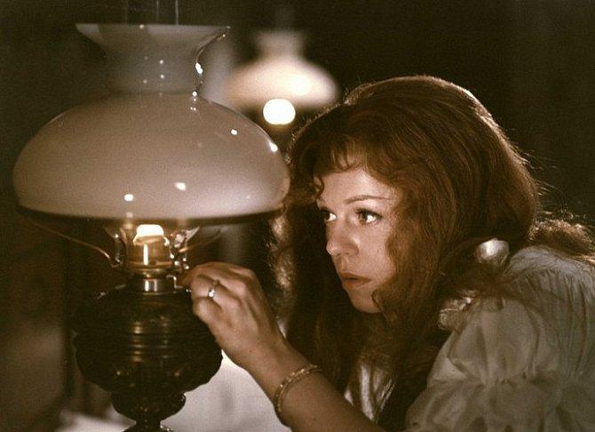 Iva Janžurová v dramatu Petrolejové lampy