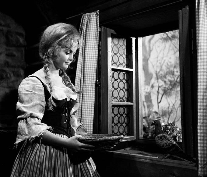Eva Hrušková ve filmu Popelka