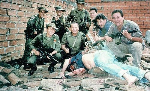 Smrt zastihla kolumbijského drogového krále na střeše. Tento obrázek se jeho dceři Manuele nepodařilo vytlačit zpaměti