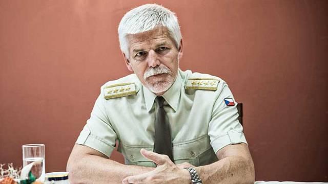 Armádní generál Petr Pavel, v současnosti muž číslo 2 v NATO