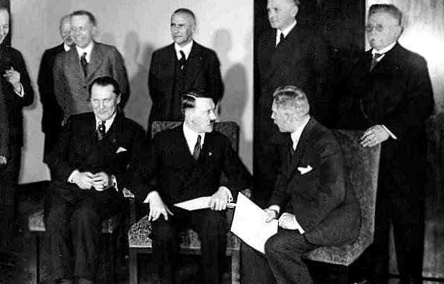Kdo chtěl vidět vHitlerovi politika, jehož je možno zkultivovat, ten mohl být 30.ledna 1933spokojen