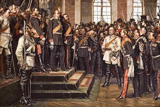 Vyhlášení Německého císařství 18.ledna 1871vZrcadlovém sále zámku Versailles po vítězné válce sFrancií. Němci se tím definovali – respektive byli definováni císařem Vilémem I. – jako říše roduvěrných Němců, nositelů německé krve.