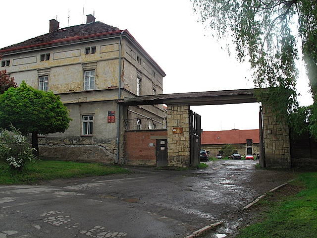 Vnejznámější pražské věznici, vRuzyni, byl svého času vězněn ibývalý český prezident, Václav Havel.