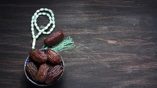 Jídlo má v islámské tradici silný duchovní rozměr.
