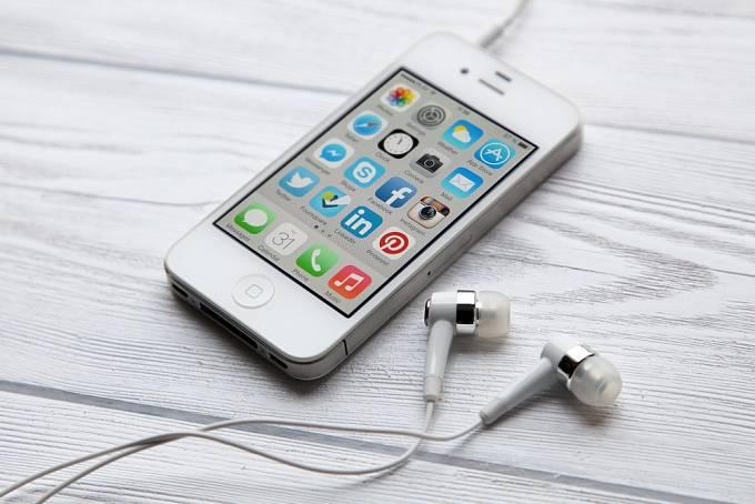 iPhone 4 přišel na svět v roce 2010.