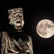 O cestě na Měsíc snilo lidstvo odnepaměti.