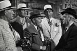 Některé mafiány z dob americké prohibice a boj jejich gangů zvěčnila úspěšná komedie Někdo to rád horké