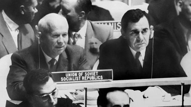 Nikita Chruščov na Valném shromáždění OSN