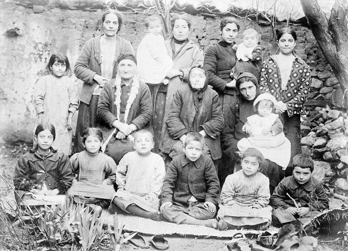 Armenská genocida (1915-1918) / Vdovy po zabitých