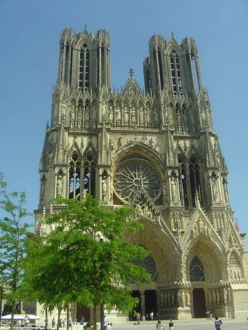 Remešská katedrála v současné podobě