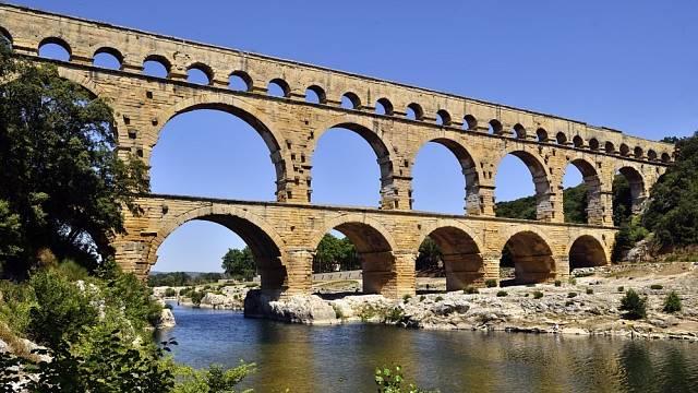 Římský akvadukt v Pont du Gard, který zásoboval město Nimes