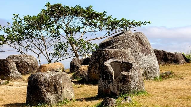 Kamenné nádoby v Laosu