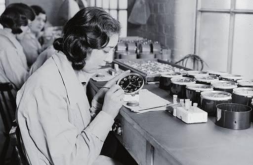 Radiové dívky při práci