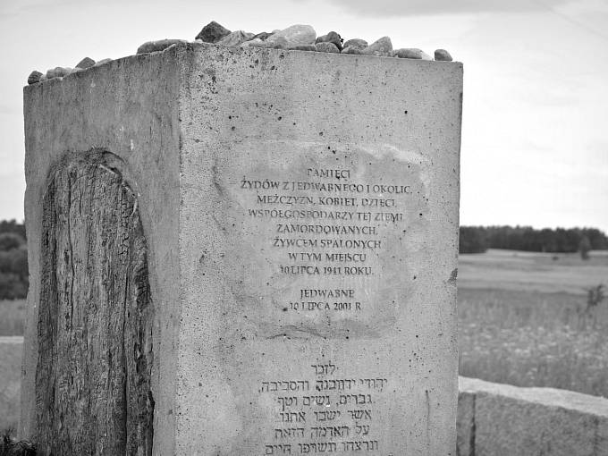 Památník pogromu v Jedwabnem