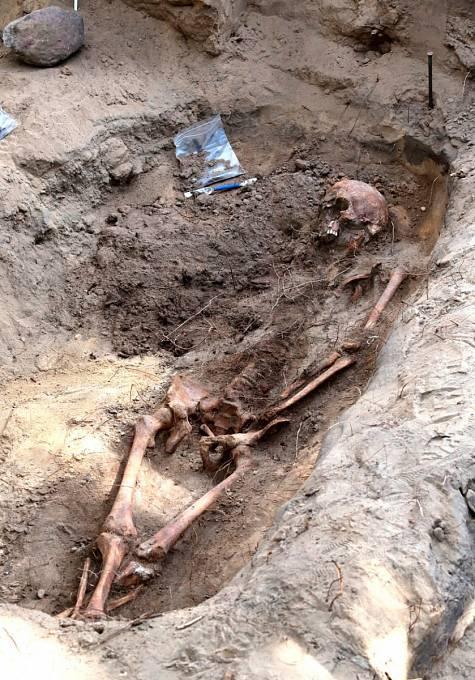 Pileckiho hrob se nikdy nenašel. Polsko exhumovalo některé ostatky
