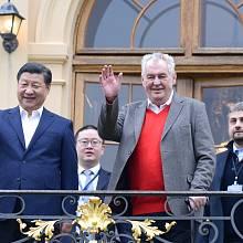 Miloš Zeman s čínským prezidentem letos v březnu