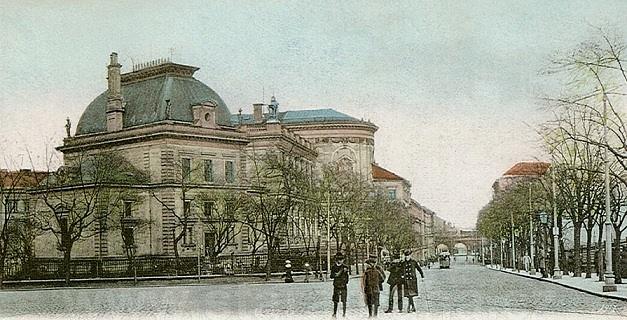 Pohled zulice Na Florenci směrem kMuzeu hl. m. Prahy