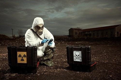 Jaderná exploze je schopná vyslat puls elektromagnetické radiace.