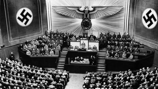 V červenci 1933 přestalo být v německém Říšském sněmu místo pro demokratické strany.