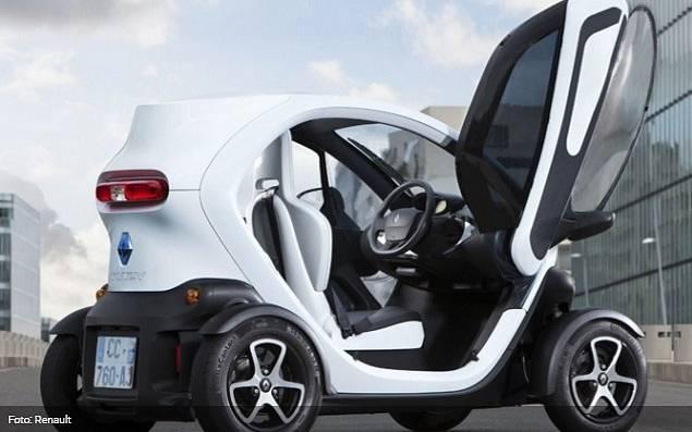 Elektro-Quad Renault Twizy. Vozítko pro dva.