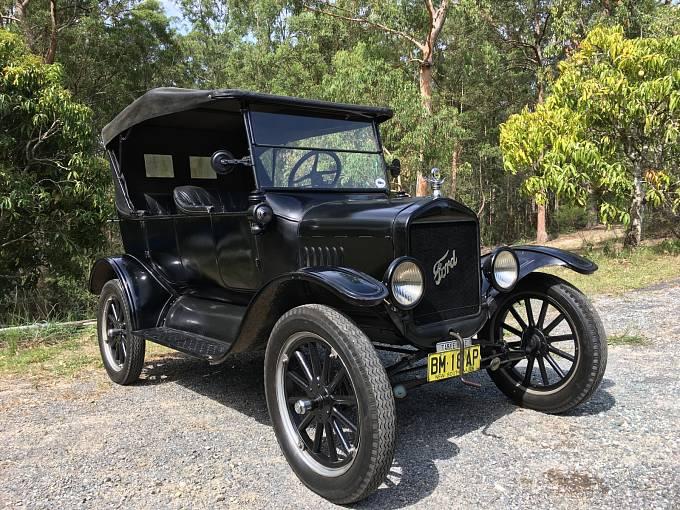 Ford model T Touring z roku 1925