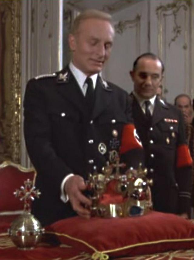 Heydrich si zkouší českou královskou korunu, Operation Daybreak (1975)