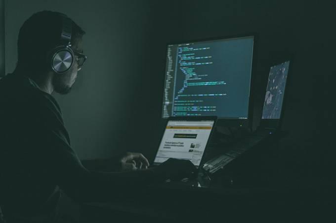 Kdo ovládne kybernetický prostor protivníka, získá obrovskou převahu.