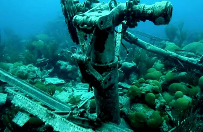 Na dně bermudského trojúhelníku odpočívá řada vraků lodí.