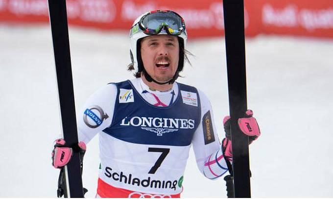 Sjezdař Ondřej Bank rozjel před čtyřmi lety v Šumperku firmu Vagus, která vyrábí lyžařské vybavení. Sám Bank se podílí na designu. Poslední tři roky je firma v zisku. I když nevydělává závratné sumy, zisk se pohybuje kolem milionu korun.