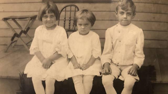 Se souhlasem pařížských úřadů se v roce 1911 konala tombola, ve které bylo možné vyhrát dítě.