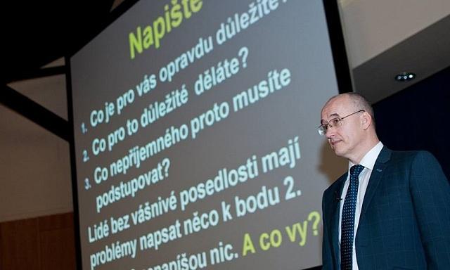 Podnikatel Ivo Toman, zakladatel mezinárodní společnosti Taxus international a úspěšný autor řady motivačních knih, se netají sympatií komezení všeobecného volebního práva