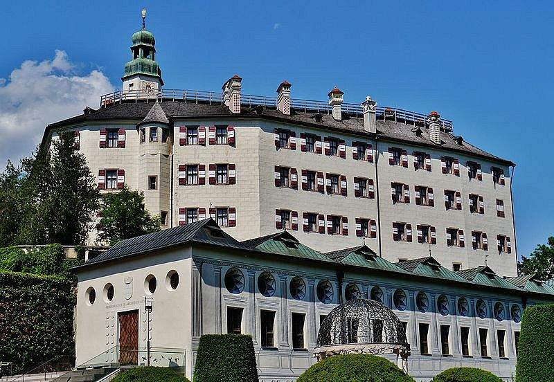 dnešní podoba zámku Ambras