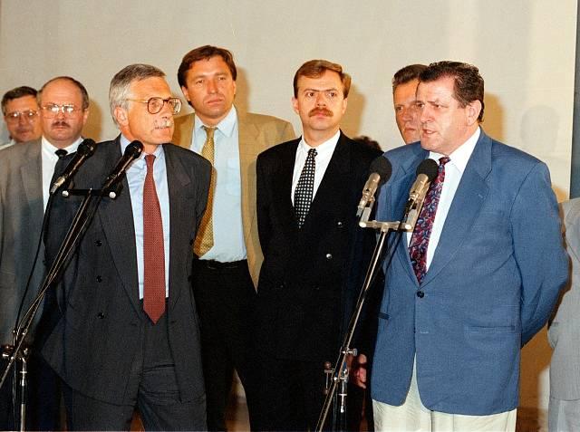Vladimír Mečiar oznamuje konec federace