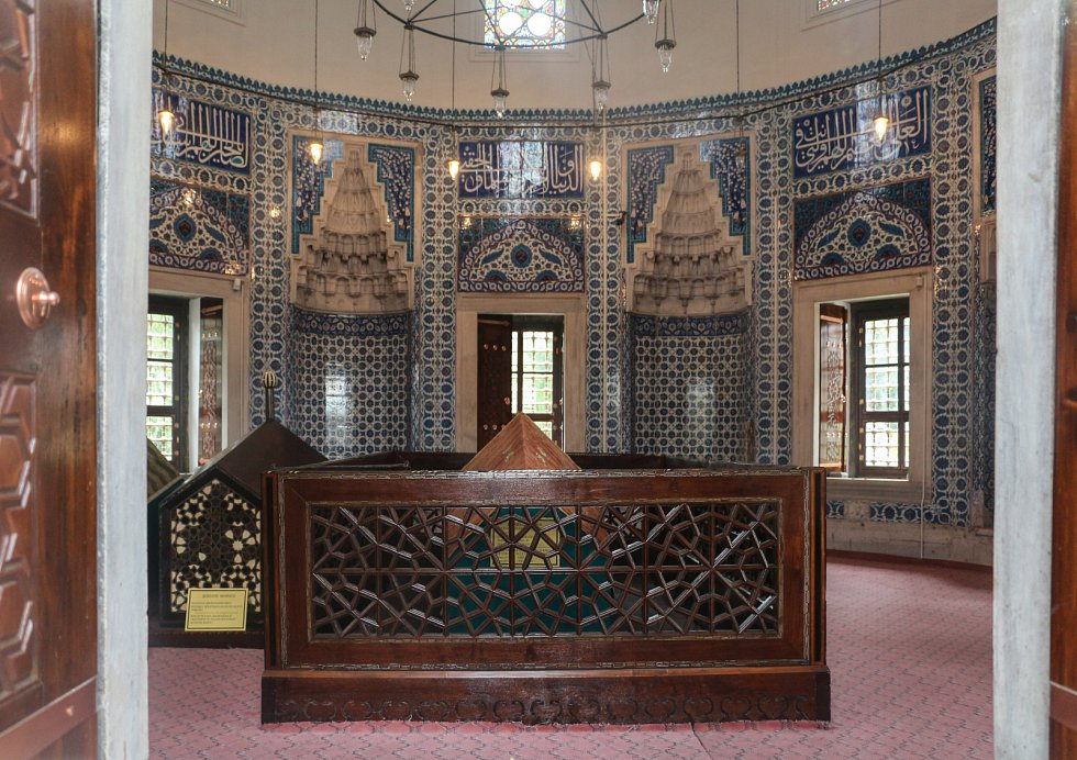Mauzoleum Roxelany v blízkosti Sulejmanovy mešity v Istanbulu.