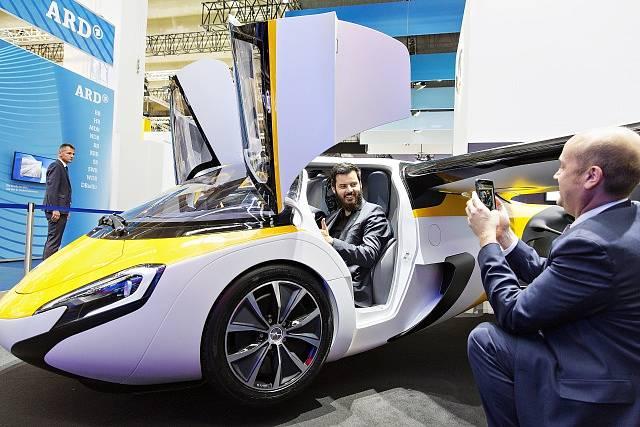 Její létající vůz se prezentoval už loni na autosalonu ve Frankfurtu