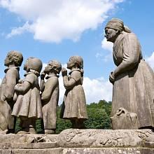 Nejslavnější dílo Boženy Němcové, Babička, je povinnou školní četbou. Za autobiografií se ale skrývá mnohem více.