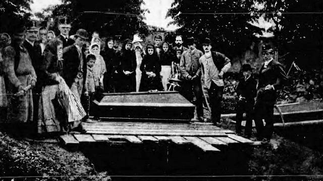 Hromadný pohřeb obětí požáru důlní katastrofy sv. Marie, červen 1892