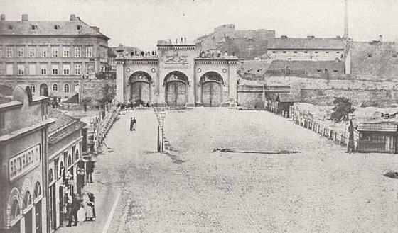 Poříčská brána (brána sv. Petra)