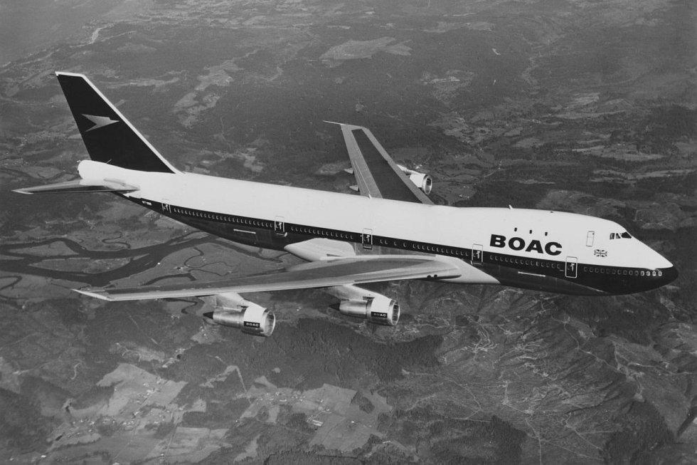 Boeing 747 v barvách BOAC, předchůdce British Airways.